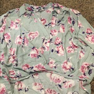 Umgee blouse high low hem, NWOT